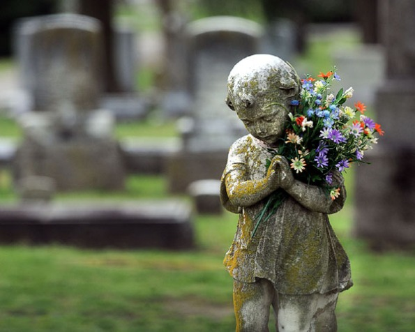 statue-flowersb